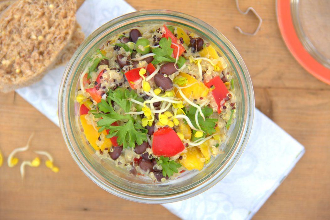 Quinoa-Powersalat mit Sprossen
