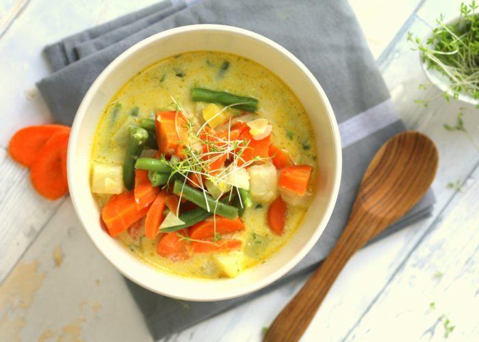 Gemüseeintopf mit Kresse Gemüsesuppe vegan lowcarb abnehmen