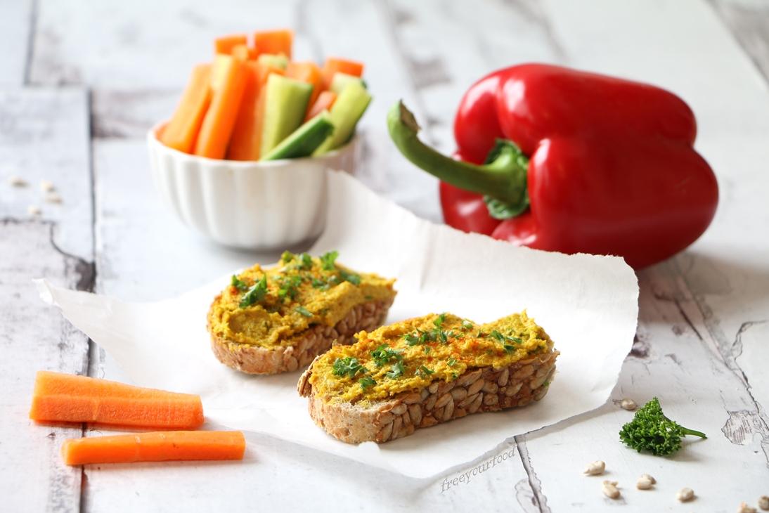 Quinoaaufstrich mit Curcuma Curry Rohkost mit Gemüse
