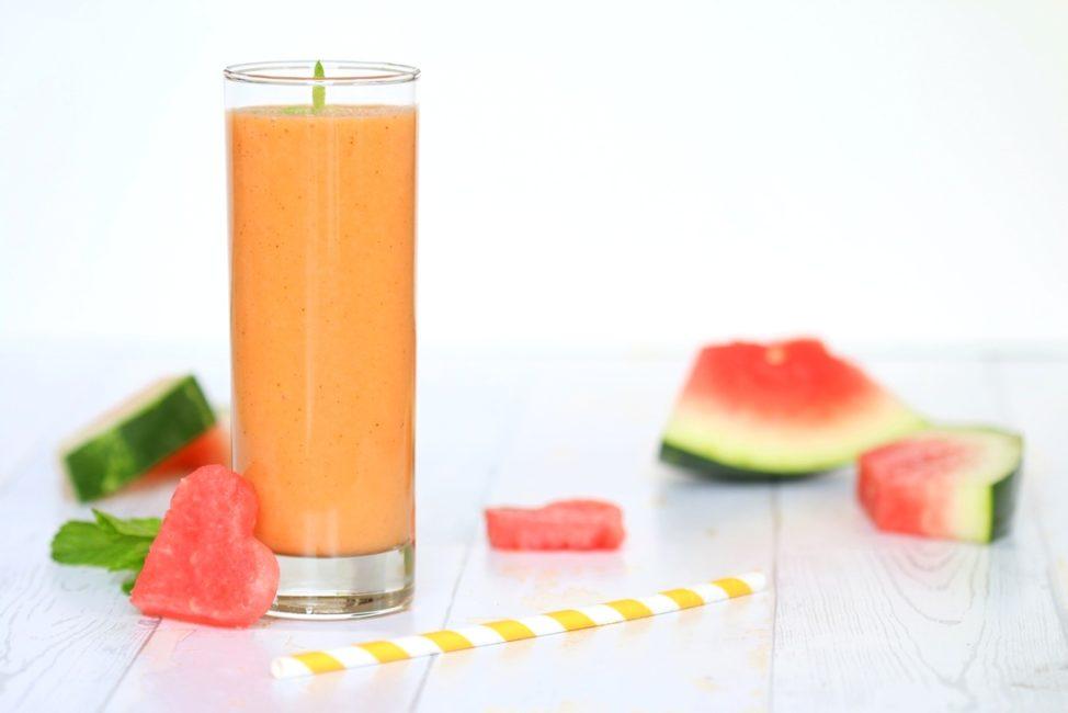Wassermelone-Mango-Smoothie mit Vanille