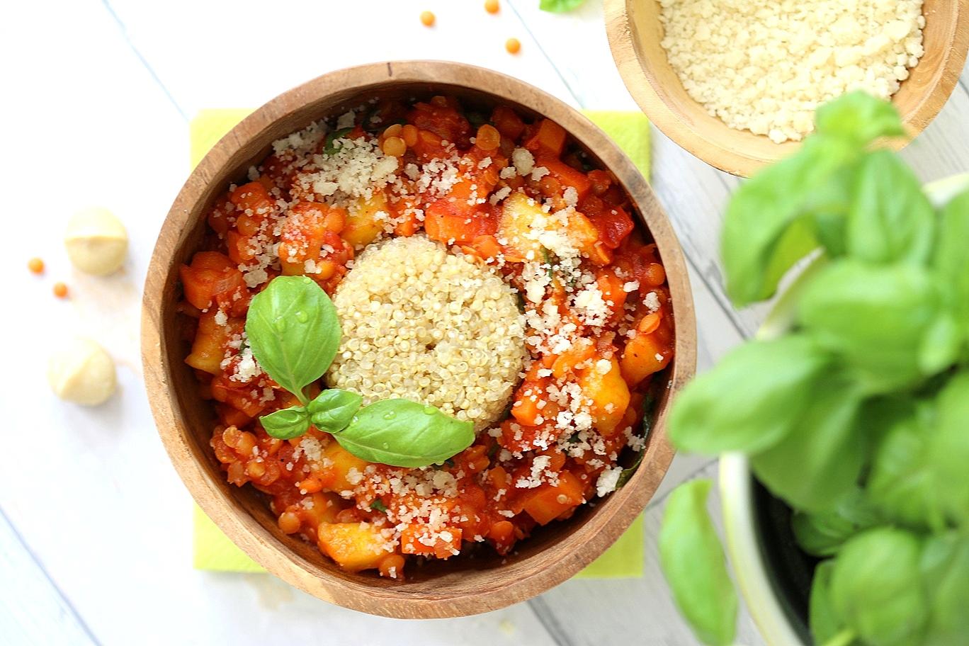 Linsenbolognese Quinoa Gemüse Mango
