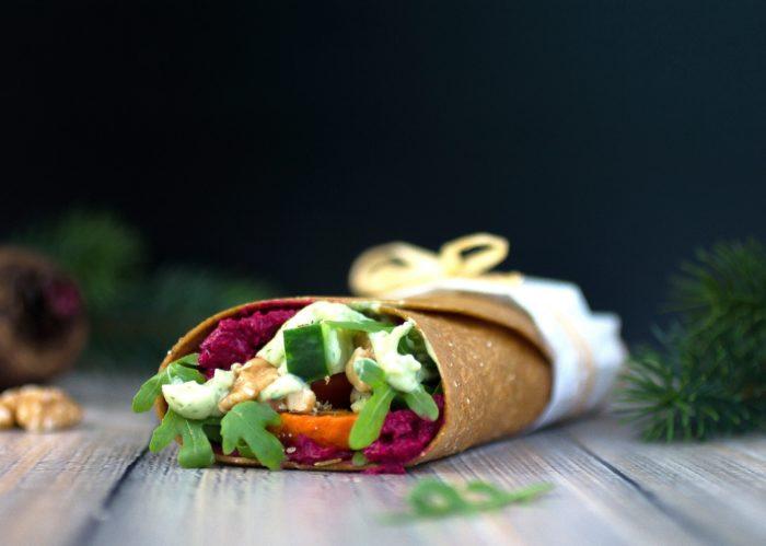 Lizza-Wraps mit Kürbis, Hummus, Koriander