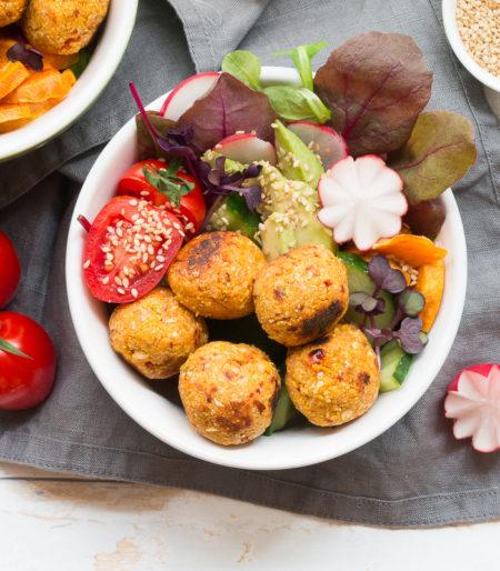 Glutenfreie Falafel Bowl mit Harissa vegan low carb abnehmen Falafel selber machen