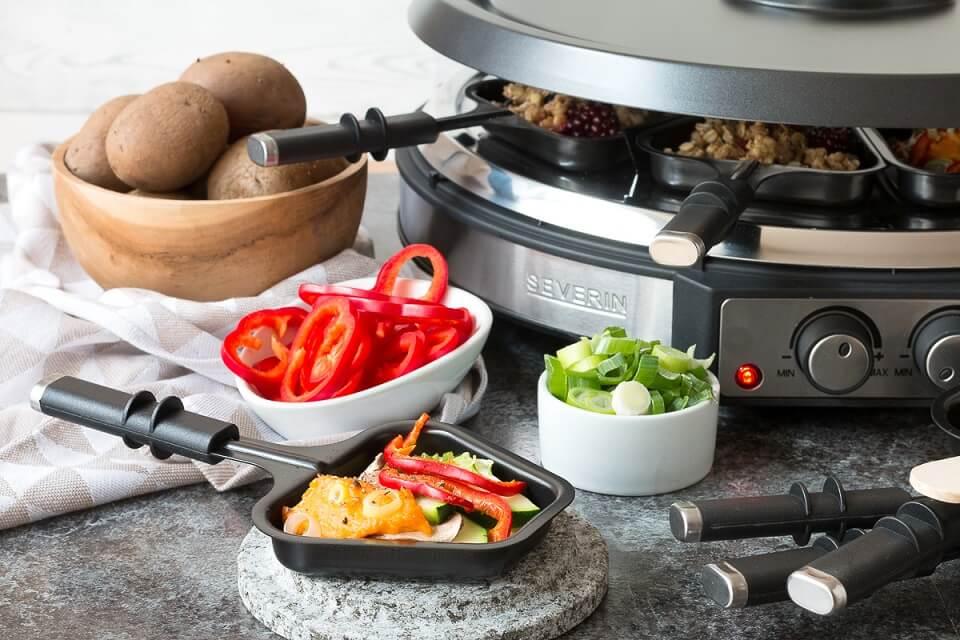 Veganes Raclette mit Gemüse und Hummus