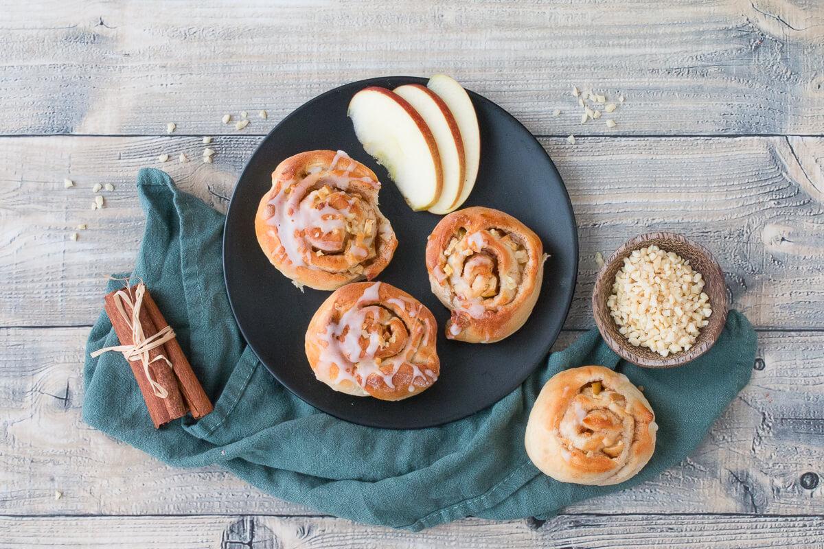 Apfel-Zimtschnecken mit Mandeln