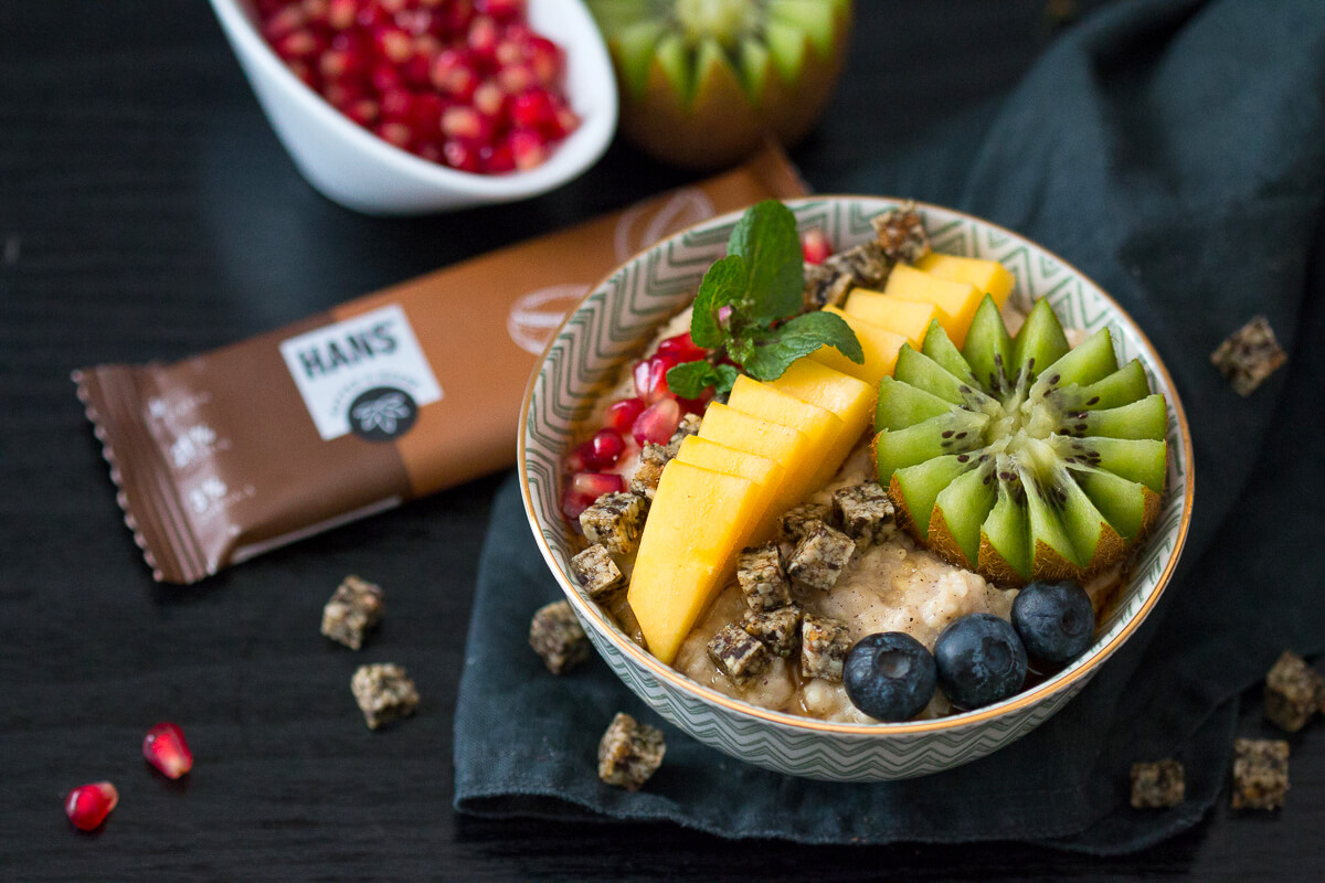 Hirseporridge mit HANS-Brainfood Riegel glutenfrei