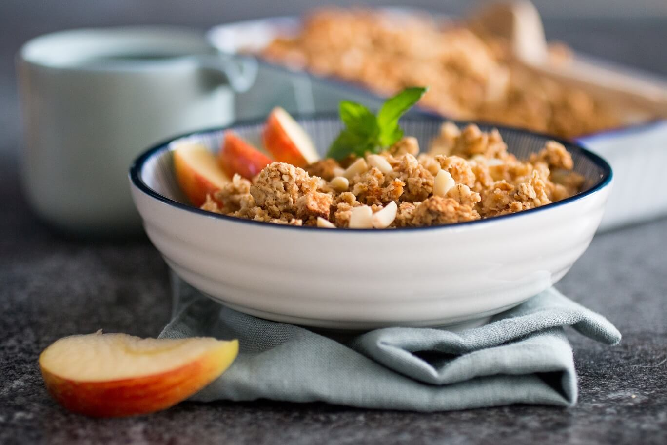 Veganer Apple Crumble mit Zimt und Nusscrunch (glutenfrei)