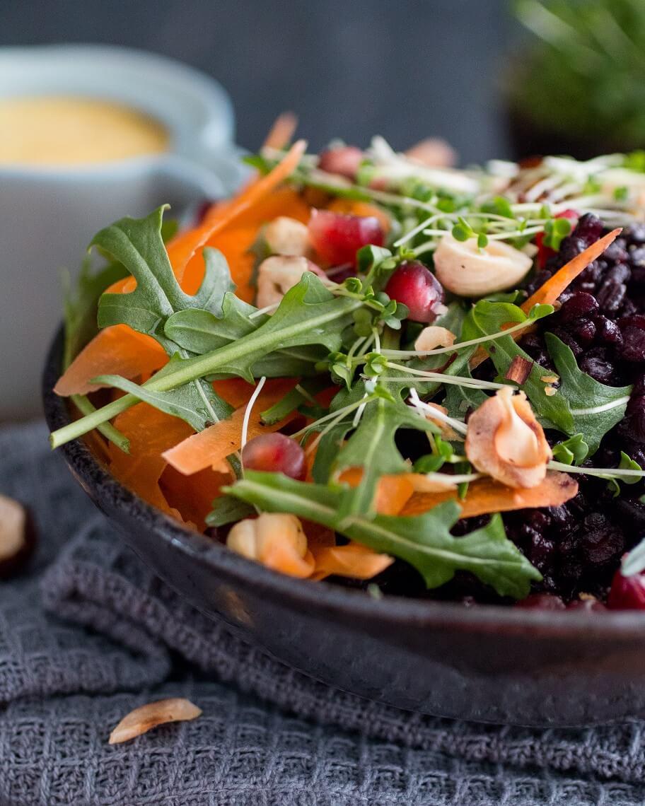 Schwarzer Reis Bunte Gemüse-Bowl mit schwarzem Reis und Kresse vegane Rezepte Salat-Rezepte